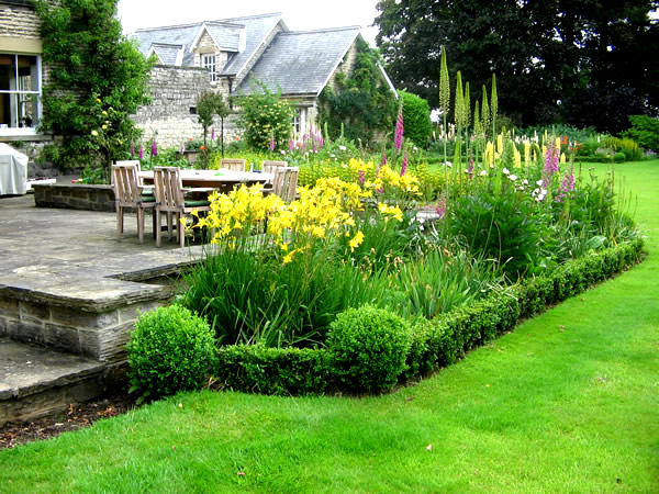 York Garden Design - Traditional garden design pictures